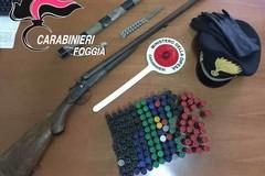 Minaccia lo zio col fucile, i Carabinieri lo sorprendono con l'arma. Arrestato
