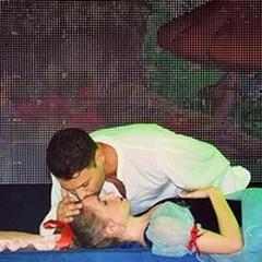 Spettacolo in piazza: «Biancaneve» e il bacio del principe