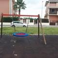 Nuova giostra nel parco giochi inclusivo a San Ferdinando di Puglia