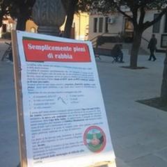 Manifesto in piazza della lista «Città solidale»
