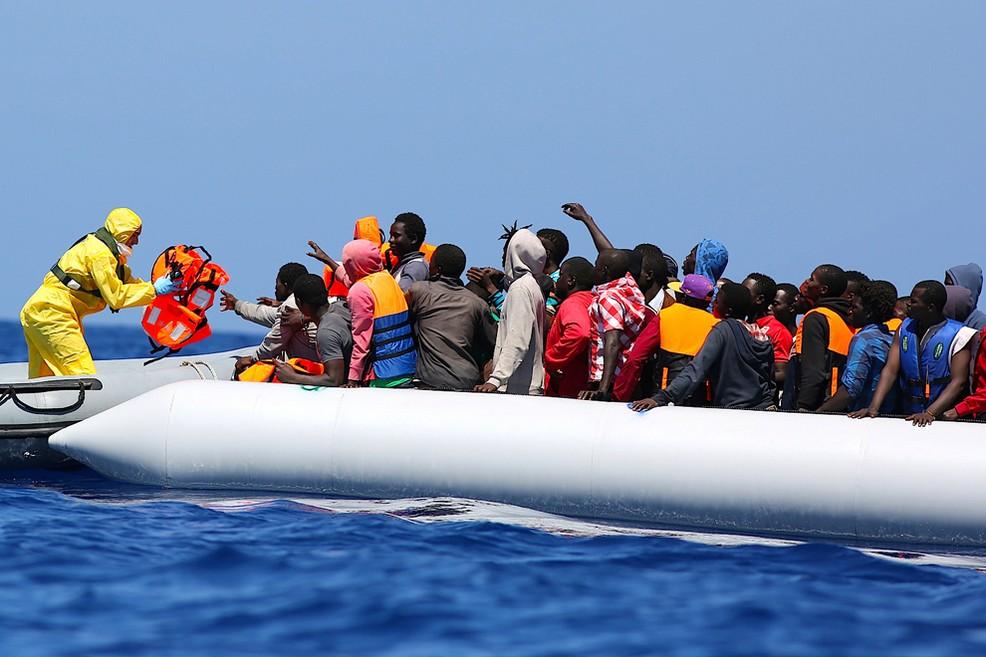 «Immigrazione, criminalità, disoccupazione», blitz di Forza Nuova a San Ferdinando