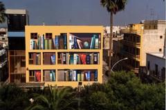 Una facciata artistica per la Biblioteca comunale