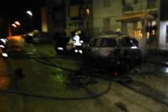 Notte di fuoco a San Ferdinando di Puglia. Tre auto in fiamme