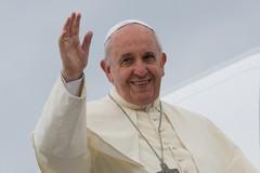 Il Papa a Molfetta sulle vie di Don Tonino Bello