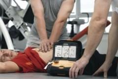 Restitution Day, la consigliera Grazia Di Bari dona un defibrillatore a Trinitapoli