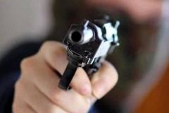 Assalto a tir, banditi sequestrano autotrasportatore