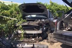 Rubano auto e provocano un incidente: pomeriggio di follia al confine con Cerignola