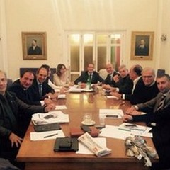 Assemblea dei sindaci della Bat: «Pari dignità»