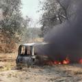 Ritrovata auto in fiamme nelle campagne a San Ferdinando di Puglia