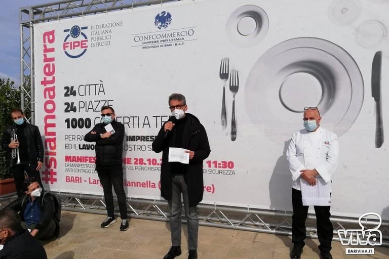 Ristoratori in protesta a Bari